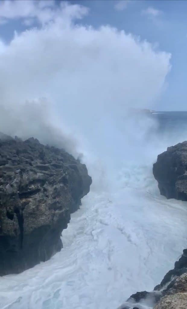 Angel Billabong Nusa Penida Bali grosse vague