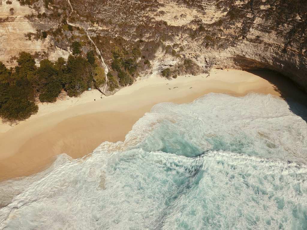Kelingking Beach Nusa Penida Bali vagues