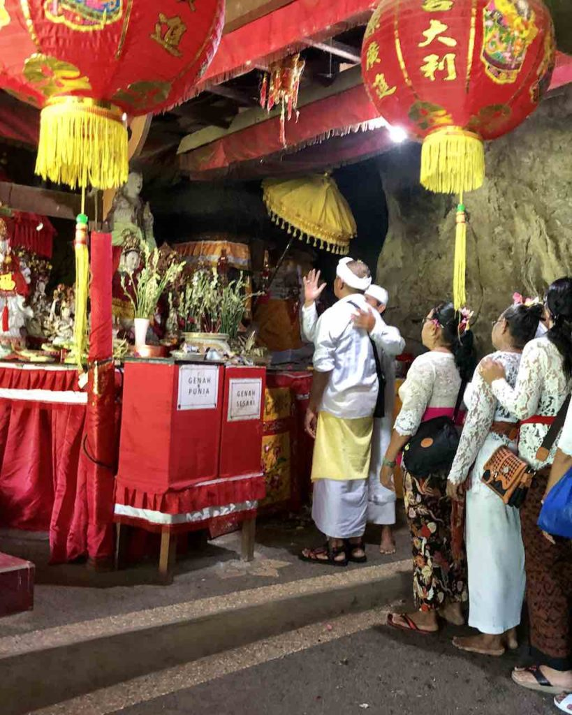 Pura Goa Giri Putri Nusa Penida Bali