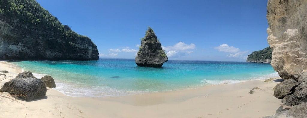 Suwehan Beach Nusa Penida Bali francophone