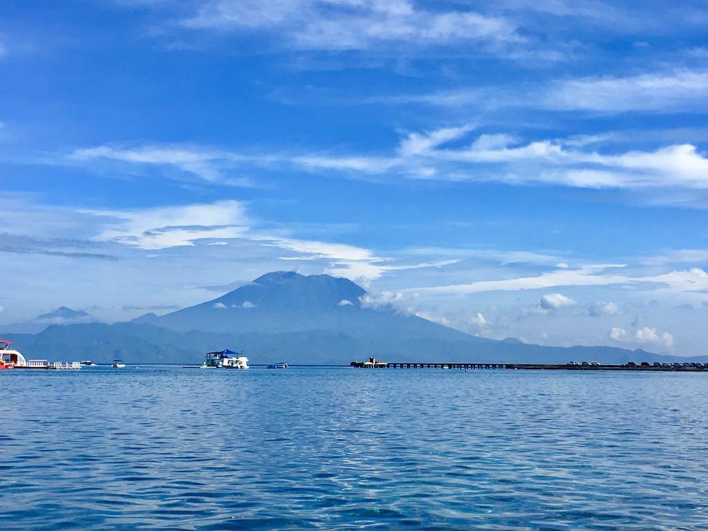 Volcan Agung depuis Nusa Penida Bali