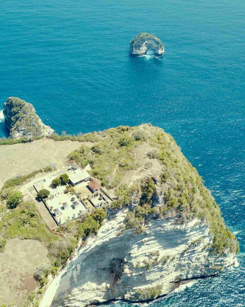 Banah Cliff Batu Bolong Nusa Penida Bali