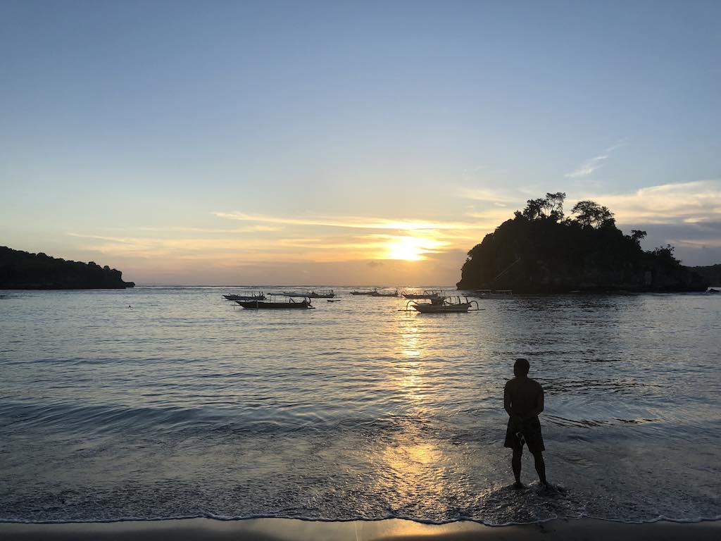 Coucher de soleil Crystal Bay Nusa Penida Bali