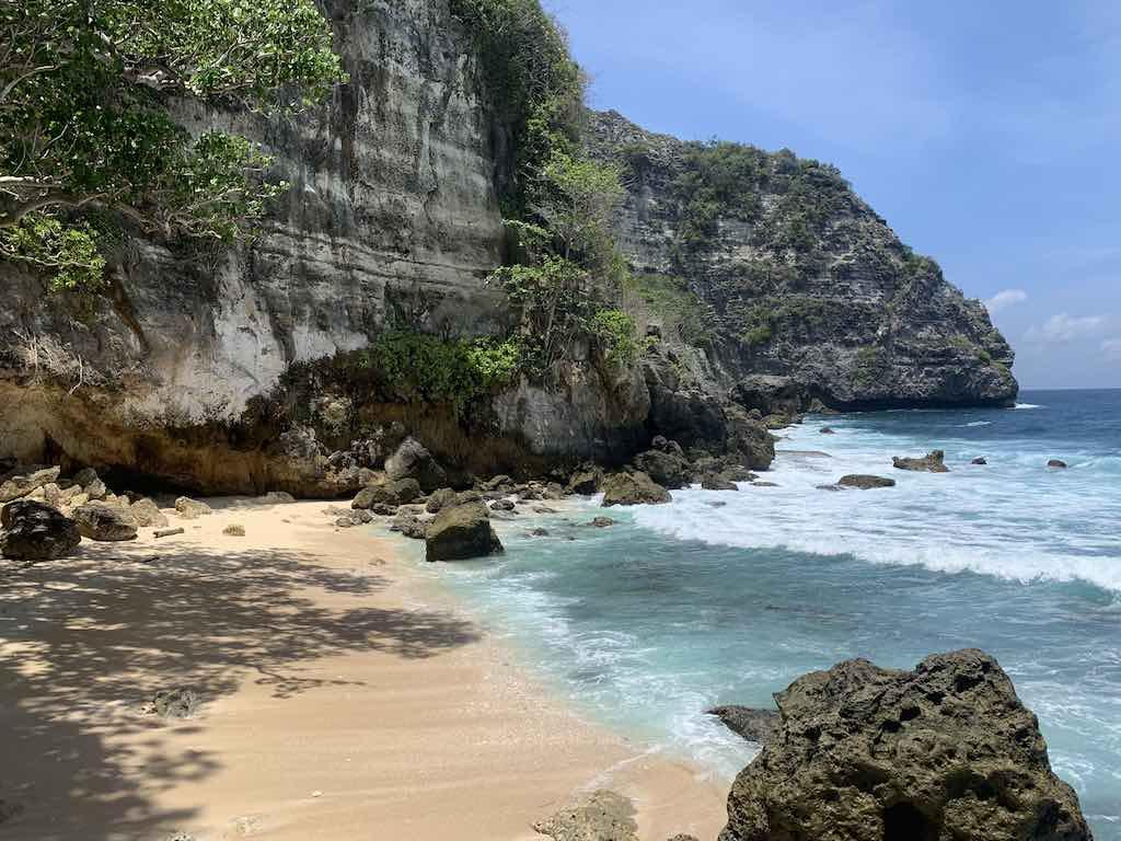 La plage de Tembeling Nusa Penida Bali