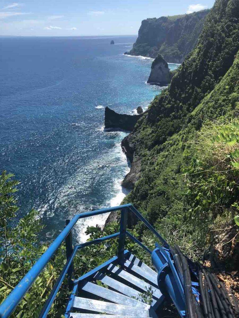 Escalier bleu Peguyangan Waterfall Nusa Penida Bali