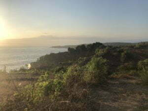 Nusa Penida aller de Crystal Bay à broken Beach à pied coucher de soleil