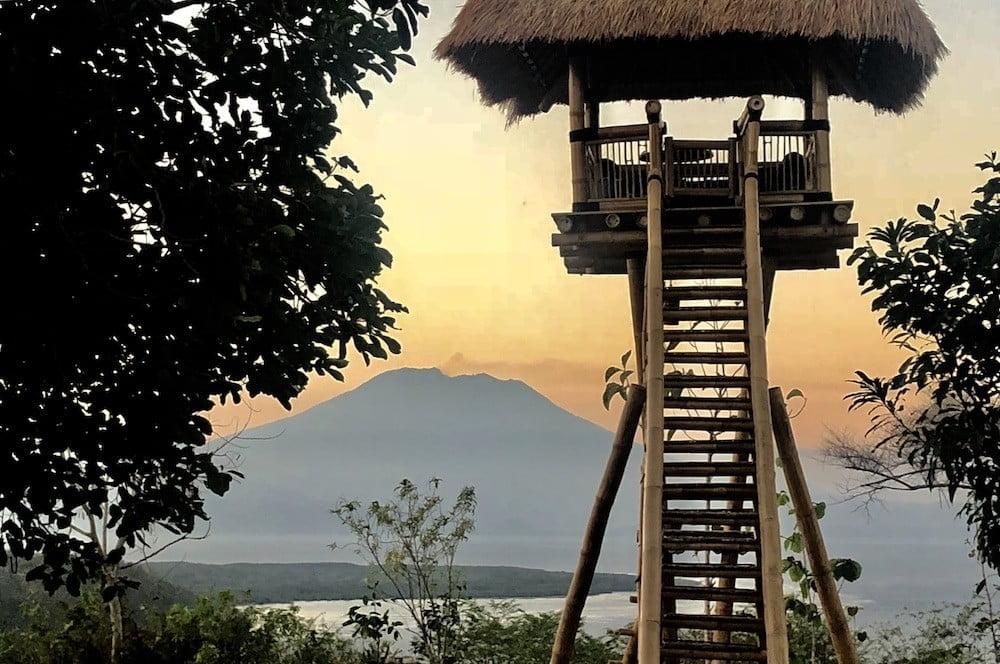 Agung view Amok sunset bar restaurant eagle nest