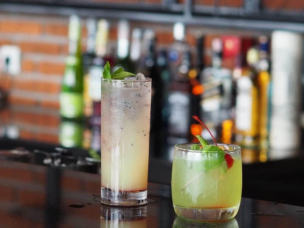 Amok sunset bar restaurant cocktail cocktails happy hour nusa penida bali sunsetbar