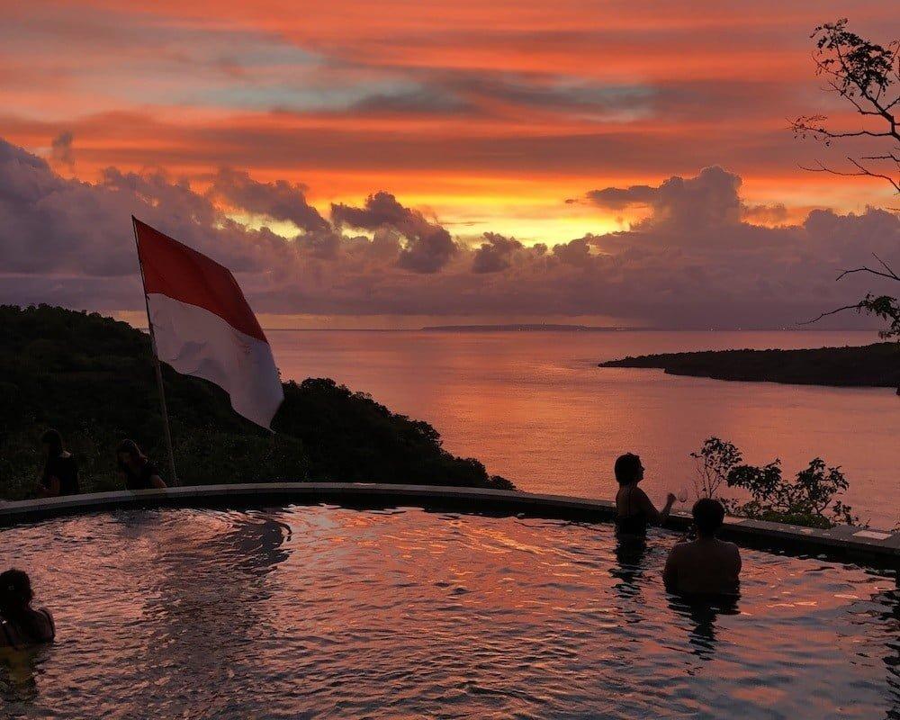 Amok sunset bar restaurant nusa penida sunsetbar